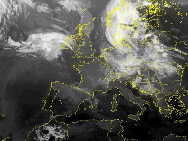Immagini satellitari - Centro Meteorologico Lombardo 687deb0c320